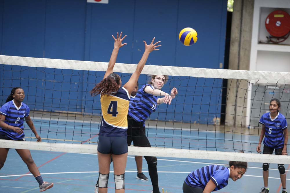 UCT's women's volleyball players get one over on their opponents.