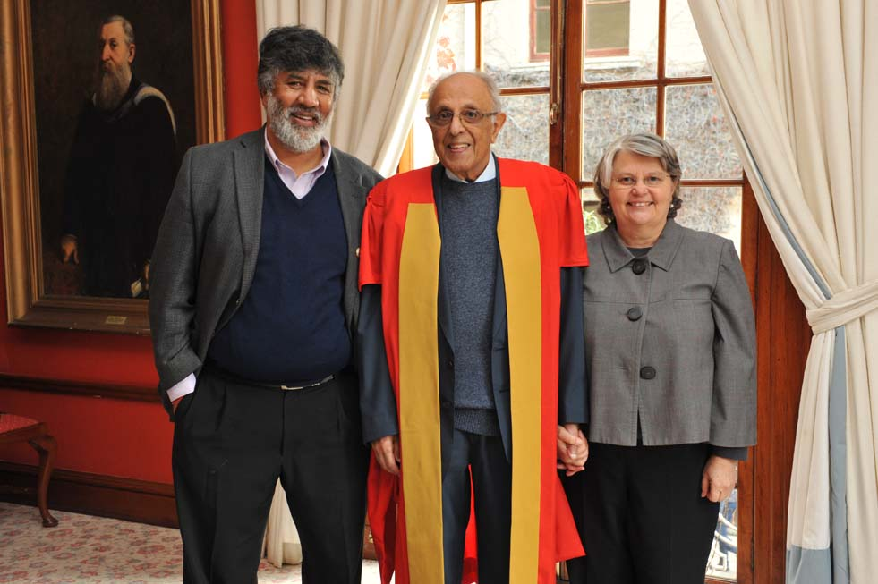 Ahmed Kathrada (2015), Doctor of Laws. Photo Michael Hammond.