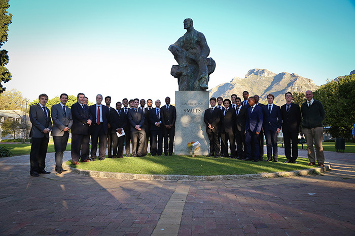 Prior to the Inaugural Field Marshall Jan Smuts Memorial Lecture on September 12, Smuts Hall students and alumni laid wreaths at Smuts' statue in the Company's Gardens last week to mark the 64th anniversary of the former UCT Chancellor's death.