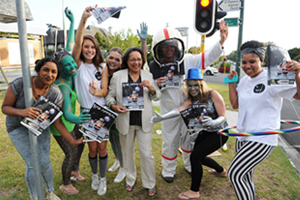 Cape Town Mayor Patricia de Lille (middle) was up early to buy her copy of SAX Appeal 2014 in Pinelands. Flanking the mayor are from left: Gail Naicker, Jodi Naude, Alexandra Nagel (Sax Appeal editor-in-chief), Chantel Foot, Simeon Gready (deputy editor), Raine Derman and Shannon van Wyk.
