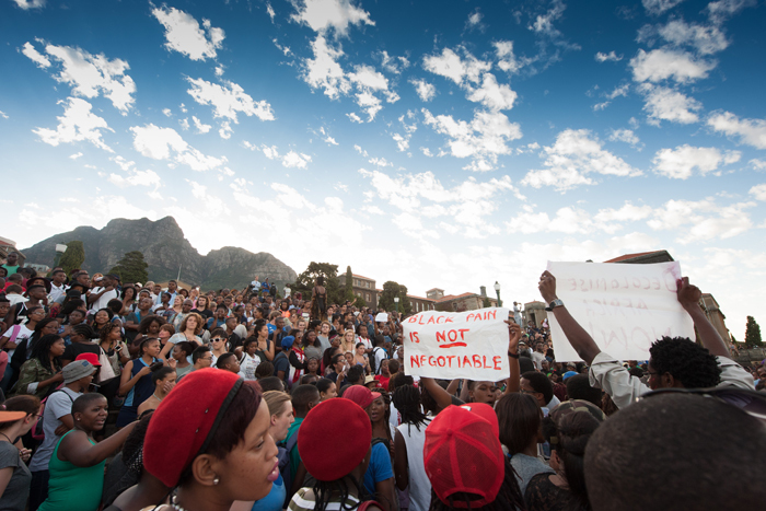 Students gathering on upper campus the day the statue of Rhodes came down. Photo by Roger Sedres.