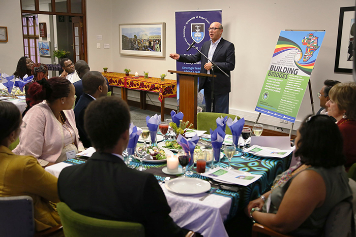 Trevor Manuel is a senior fellow of the Building Bridges programme, which over the next two weeks will host 24 participants from five African countries enrolled in the Leading in Public Life course.