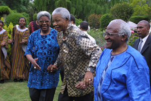 Leadership trio: UCT's Chair of Council Archbishop Njongonkulu Ndungane (left) with Nobel Laureates Archbisop Emeritus Desmond Tutu (right) and Nelson Mandela, who received an honorary doctorate from UCT in 1990.