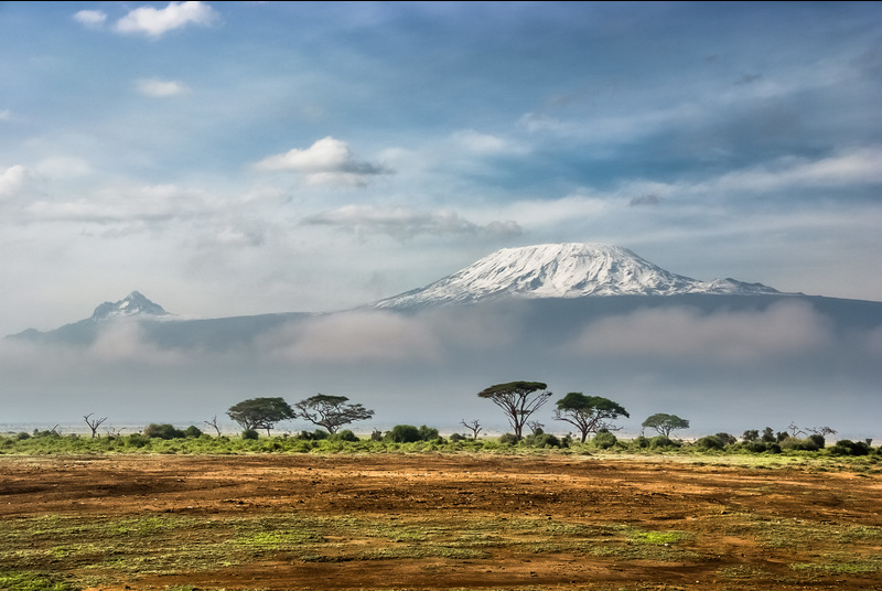 The majestic peaks of Mount Kilimanjaro in Tanzania, which members of UCT's Surgical Society will attempt to summit in December this year to fund a haemodialysis machine for Groote Schuur Hospital.