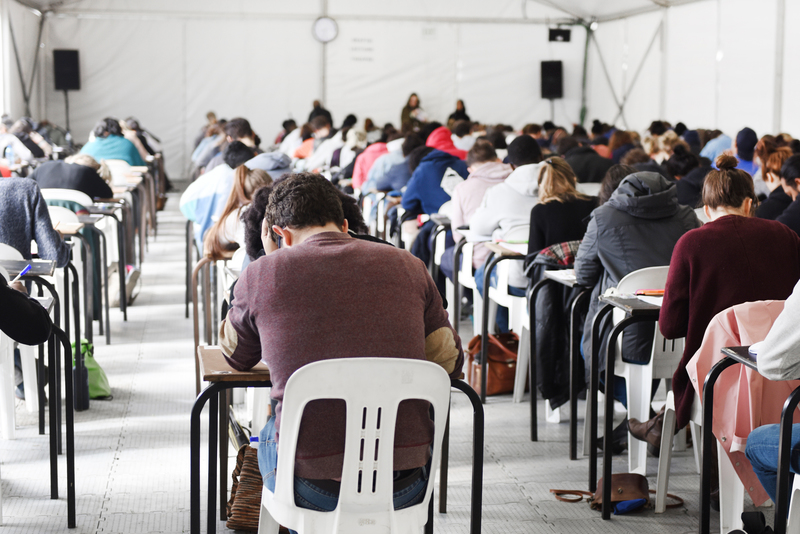 UCT's final exams got underway on upper campus today, Wednesday, 15 November. Exams are scheduled to run until 30 November 2017.