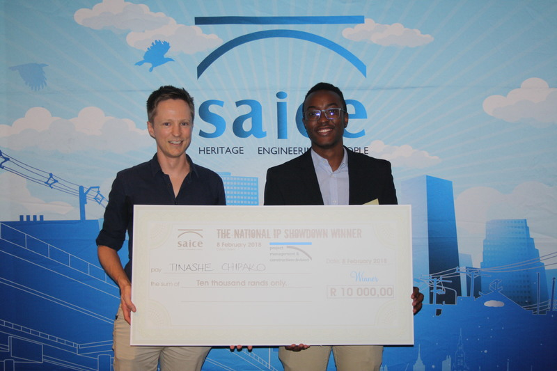 Dr Dyllon Randall (left), with civil engineering graduate Tinashe Chipako, winner of the 2018 South African Institution of Civil Engineering National Investigative Project Showdown.