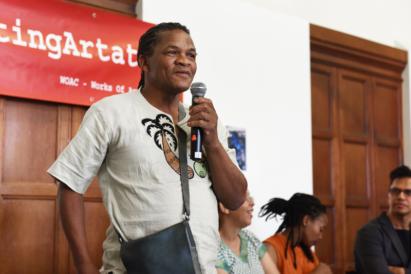 Artist Willie Bester speaks at a WOAC-facilitated discussion on the statue of Sarah Baartman, which is currently housed in the Chancellor Oppenheimer Library. <b>Photo</b> Robyn Walker.