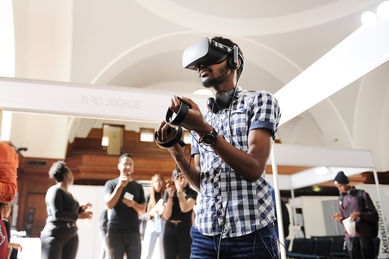 The popular virtual reality headset, Oculus Rift 3, drew crowds throughout UCT's annual TechFest.
