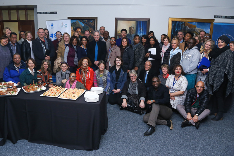 Vice-Chancellor Dr Max Price bids farewell to the UCT PASS forum, which met on 14 June.