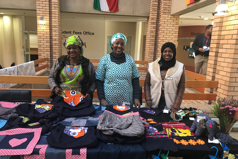Women from the Umoja Wamama Crafters Cooperative displayed their work at the law faculty's World Refugee Day on 20 June.