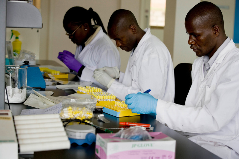 "Estimates are that 20 000 highly-educated professionals leave Africa every year, with up to 30% of the continent's scientists among them. <b>Photo</b> <a href=""https://www.flickr.com/photos/dfataustralianaid/10665117885/in/photolist-hfrvYR-891WsT-9t7LyT-62rifv-PyZrfj-dghBmf-hfsMxT-a2JM2W-6CXcGR-jAA3ug-33fGbC-a2JJvS-27LitL6-4qKUWf-a2FRP6-a2JKvm-7d8j8G-WCq3dh-o67vHv-HuFs4-8FbAtr-4rQ4Wi-9ixgAw-dzmGkd-nNVwfh-cJ12M5-fjBNjH-p4HJtn-bF2V6p-a9guda-8UFhv2-dghztg-a2FTp2-8FbA1p-cJ11i3-g1cYq7-cJ1jpS-9LdX64-fm8pYu-cJ12m5-S5ogGj-8UJi1d-22FEvCk-pehdWL-dghzEa-fpK9aT-8ZZA7s-bkaEYN-8FbAmn-8Ff2rj"" target=""_blank"" rel=""noopener"">Kate Holt/Africa Practice</a>."
