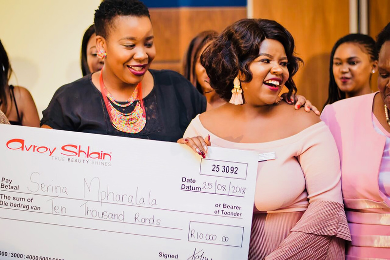 UCT commerce student Sarina Mpharalala (right) celebrates her True Shine! award at a ceremony in Johannesburg with her sister, Eva Mangwedi.