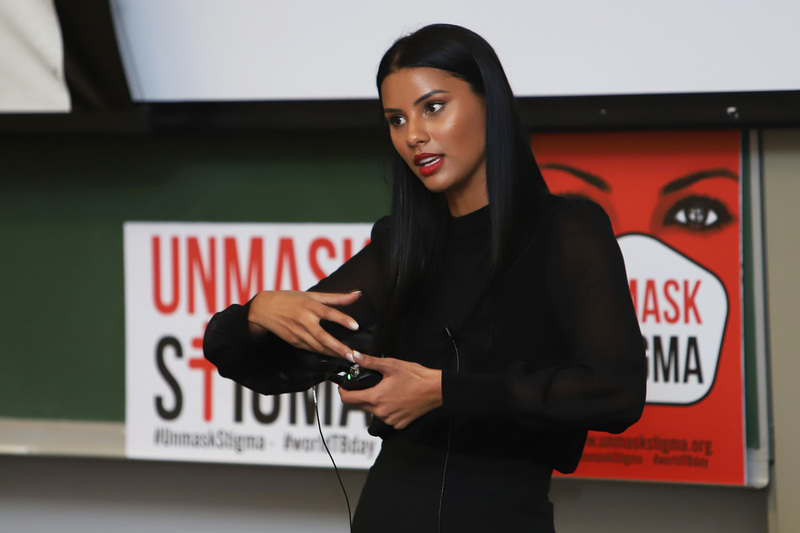 Miss SA Tamaryn Green shares her personal battle with TB with fellow UCT medical students.