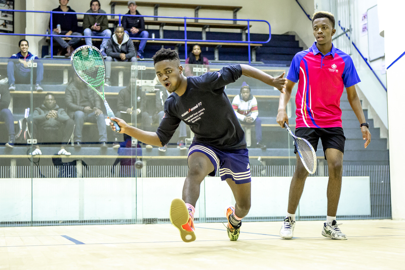 First-year students Amukelani Zitha (UJ no 3) and Sipho Ncube (TUT no 3) in the 8/9 playoff of the Men's A section.