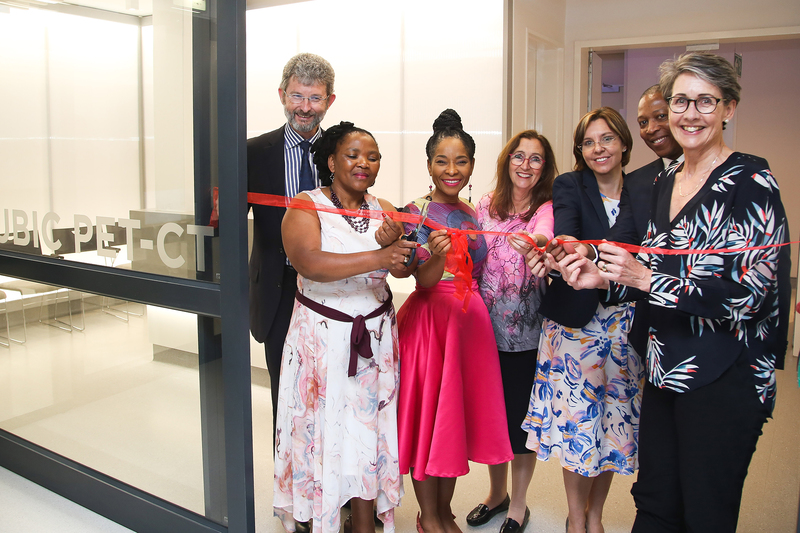 Photographed at the ribbon-cutting ceremony were (from left) Prof Graham Fieggen, Prof Nomafrench Mbombo, VC Prof Mamokgethi Phakeng, Prof Valerie Mizrahi, Brigitte Binneman, Prof Ntobeko Ntusi, and Dr Beth Engelbrecht.