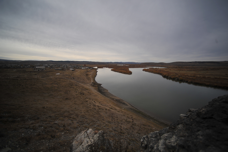 The Selenga River close to the archaeological site Ust-Kyakhta-3 in Russia where the prehistoric human remains crucial to this research were excavated.