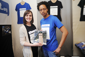 Students Andrea Petersen and Theko Makhoalibe of team T-art