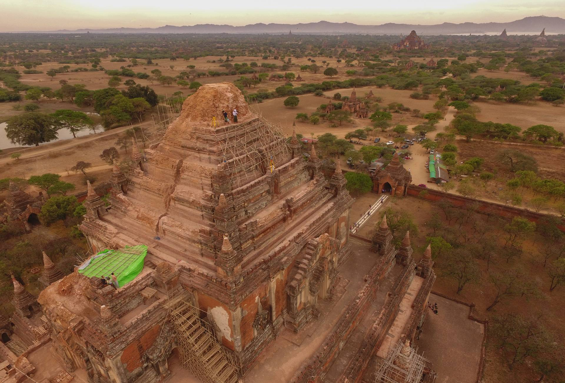 Sula-mani-gu-hpaya in Bagan, Myanmar, is one of 180 temples and pagodas that were damaged after an earthquake in 2016. A drone view helps the Zamani team to identify stable working platforms on the upper part of the monument. The temple lost its 15-metre tower, spire and part of the base.