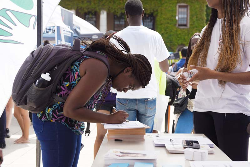 Plaza Week is a great opportunity for students to sign up to clubs and societies. Stalls that were set up on the plaza ranged from religious societies to sports, political and scientific clubs.