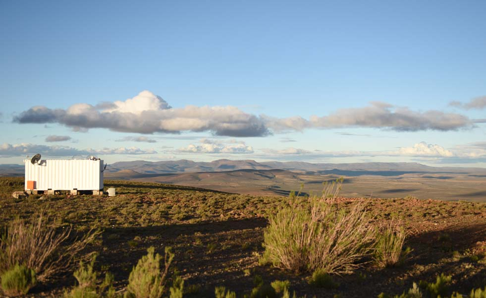 The MeerLICHT telescope is situated in the small Northern Cape town of Sutherland, which is located 1 450 m above sea level. This makes the town's night skies among the world's clearest and darkest – perfect for stargazing.