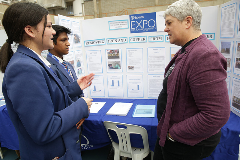 Expo showcases young scientists