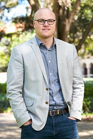 Dr David Mickler